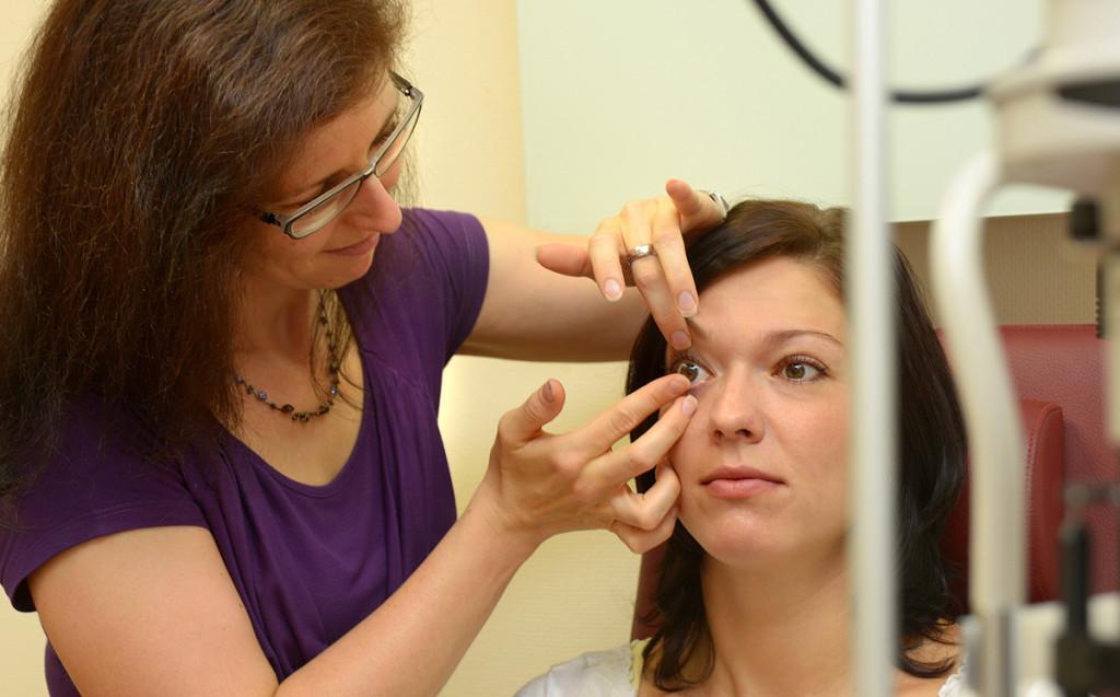 Kontaktlinsenanpassung Optik Plüschke Bischofswerda