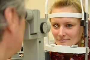 Untersuchung eines Trockenen Auges