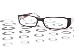 Brille auf Fläche mit Landoltringen